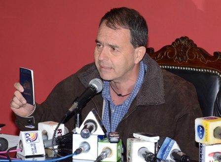 Chileno renuncia a su nacionalidad y pide ser boliviano