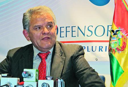 Oposicion-critica-amenaza-de-proceso-contra-Villena
