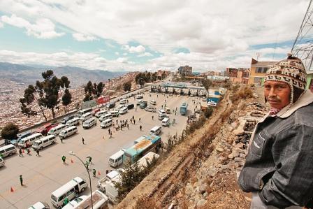 Demandas-paralizan-El-Alto-y-Gobierno-llama-al-dialogo
