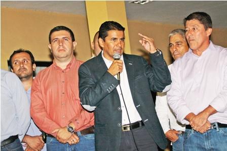 Roberto-Fernandez-renuncia-a-la-presidencia-del-Club-Blooming
