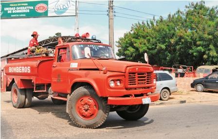 Emergencia-por-carro-bombero-del-Trompillo-