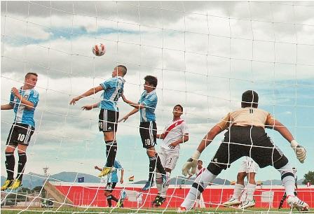 Colombia-y-Peru-juegan--hoy-por-el-titulo-sub-15