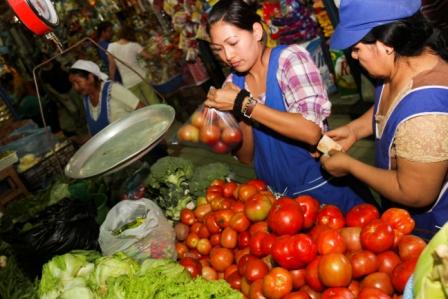El-precio-del-tomate-sube-y-la-inflacion-llega-a-6,43%