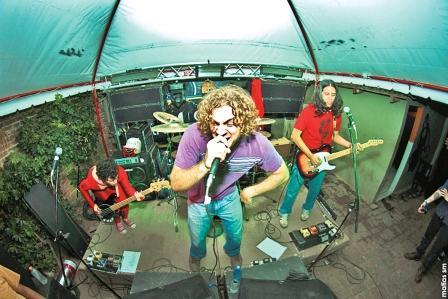 Pugnan-por-un-cupo-en-Cosquin-Rock