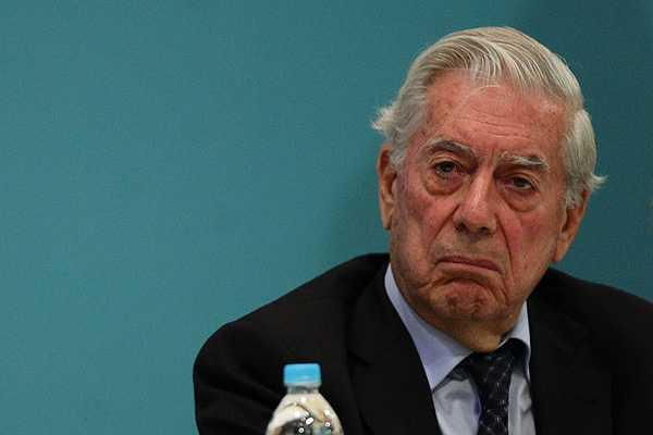 Mario-Vargas-Llosa:--El-futuro-del-libro-no-corre-peligro-
