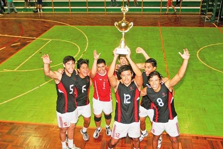 La-Catolica-y-Utepsa-se-proclaman-campeones