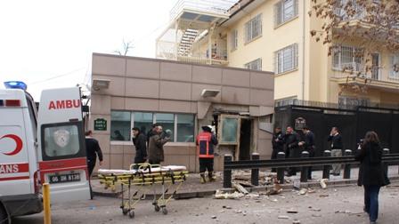 Al-menos-3-muertos-por-atentado-suicida-en-embajada-de-EEUU-en-Turquia