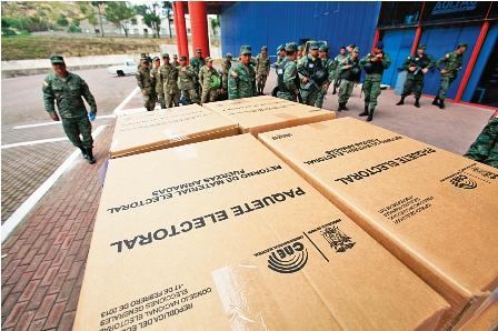 Reos-abrieron-los--comicios-en-Ecuador