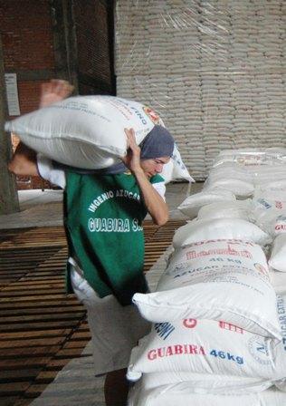 Azucareros-y-gobierno-para-ver-cupos-de-exportacion