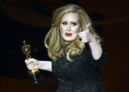 Adele-le-regalo-a-James-Bond-su-primer-Óscar-a-la-mejor-cancion