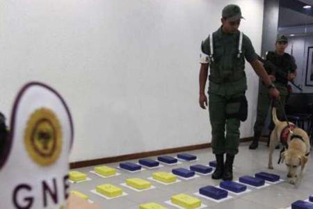 -Venezuela-detiene-a-espanol-con-chocolates-de-cocaina-en-una-maleta