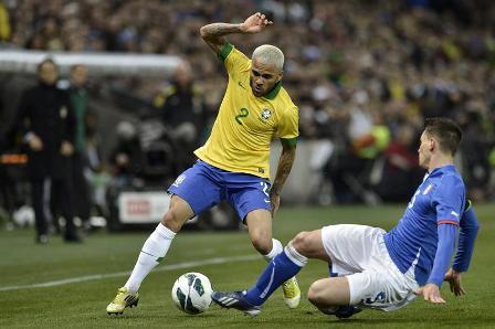 Brasil-e-Italia-empatan-(2-2),-Scolari-sigue-sin-conocer-el-triunfo