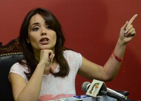 Adriana-Gil-confirma-su-candidatura-a-la-presidencia-de-Bolivia