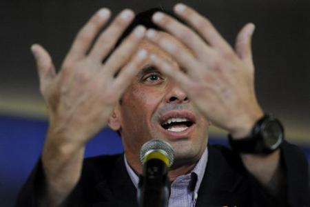 Capriles-acusa-al-oficialismo-de-usar-medios-estatales-para-campana-de-Maduro