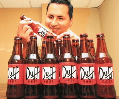 Duff,-la-cerveza-de-Los-Simpson-llega-a-Santa-Cruz