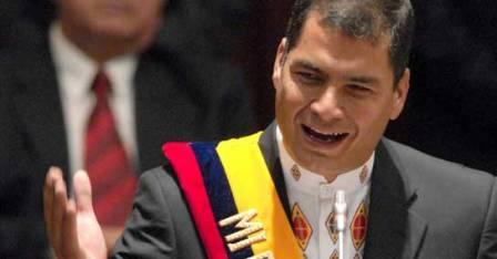 Correa-felicita-a-Maduro-y-dice-que-Venezuela--jamas-volvera-al-pasado-