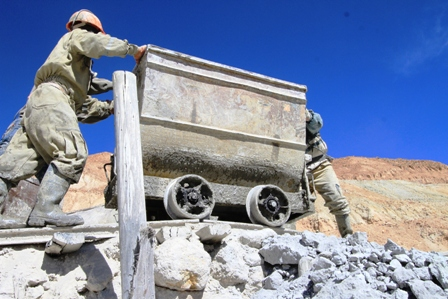La-mineria-privada-se-derrumba