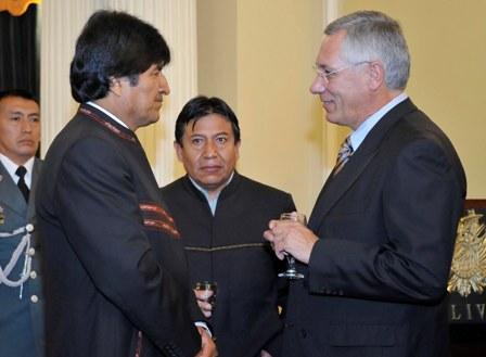 Rodriguez-Veltze-representara-a-Bolivia-en-juicio-contra-Chile-ante-La-Haya-
