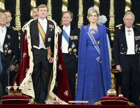 Entronizan-a-Guillermo--y-a-Maxima-como-reyes