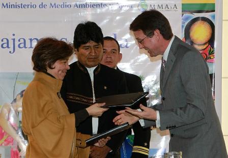 -Bolivia-firma-convenio-con-la-UE-por-$us-28-millones-para-proyectos-de-agua-en-area-rural