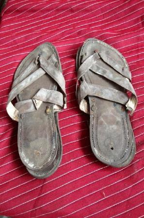 Las Inglaterra GandhiSubastadas Por 600 Sandalias En 33 De Dólares OkwN8XZP0n