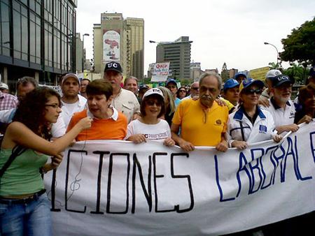 -Profesores-universitarios-marchan-en-Caracas-para-exigir-alza-salarial