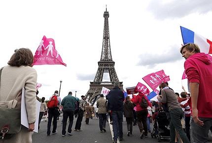 Multitudinaria-marcha-en-Paris-contra-ley-de-matrimonio-homosexual
