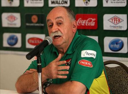 Hay-tres-puntos-en-juego-y-todavia-no-estamos-eliminados,-dice-Azkargorta