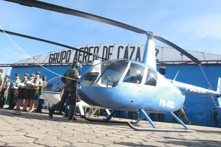 Evo-entrega-dos-helicopteros-para-combatir-crimen-en-Santa-Cruz-