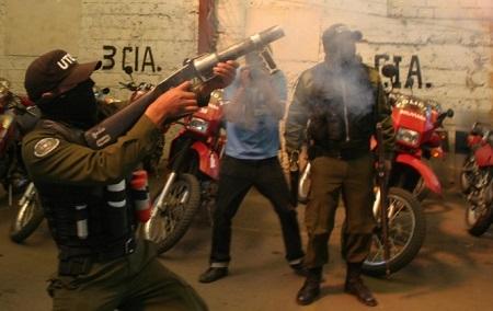 Policias-piden-jubilacion-al-100-por-ciento-y-se-declaran-en-emergencia