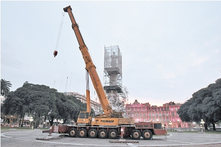 Polemica-en-Buenos-Aires-por-estatua-donada-por-Evo