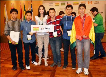 Alumnos-de-Bolivia-resaltan-en-Paraguay