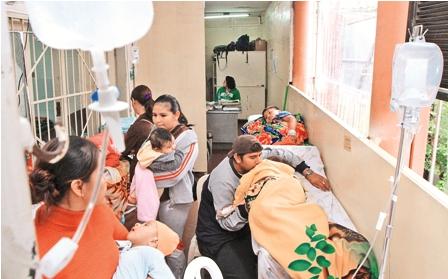 Emergencia-del-Hospital-de-Ninos-colapsa-por-resfrios