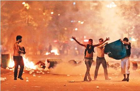 Miles-de-brasilenos-salen-a-las-calles-en-100-ciudades