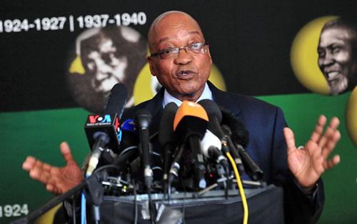 Presidente-Sudafricano-informo-que-Mandela-sigue-en-estado--critico-pero-estable-