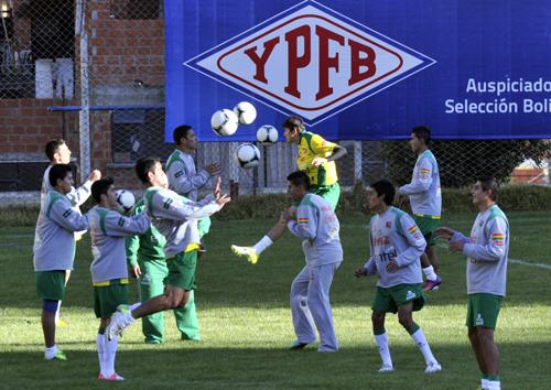 -Bolivia-con-equipo-completo-para-enfrentar-a-Venezuela-en-eliminatorias