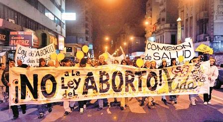 Evo-dice-que-despenalizar-el-aborto-es-un-delito