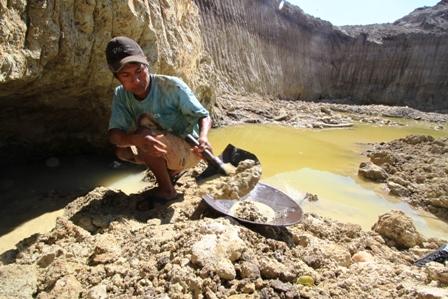 Bolivia-pierde-$us-20-millones-anuales-por-oro