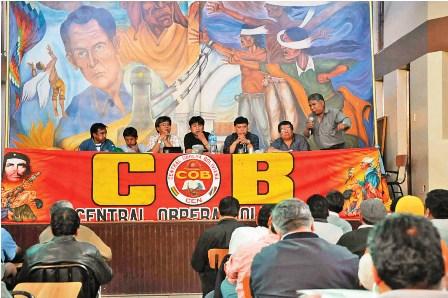 La-COB-inscribe-al-partido-de-trabajadores-ante-el-TSE