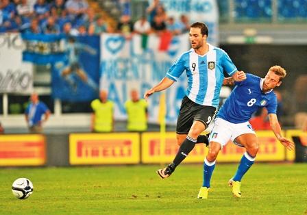 Argentina-no-extrano-a-Messi-en-triunfo-ante-Italia