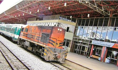 Evo-lanza-la-ferrovia-de-montero-a-Bulo-Bulo