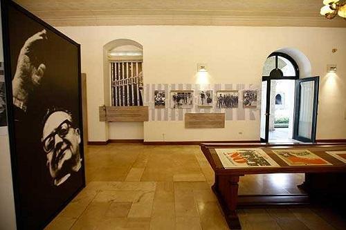 Ecuador-dedica-exposiciones-a-la-memoria-de-Salvador-Allende-y-Pablo-Neruda