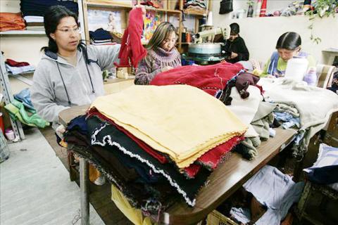 Microempresarios-preven-exportar-$us-10-millones-en-ropa-a-Brasil-por-el-Mundial-de-futbol