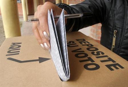 Diputados-aprueba-ley-para-convocar-a-elecciones-municipales-despues-del-12-de-octubre