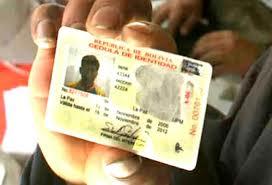 Cedulas-con-rotulo--Republica-de-Bolivia--habilitadas-para-las-elecciones