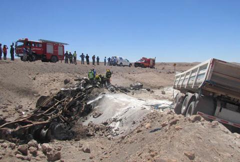 """Boliviano-muere-calcinado-en-accidente-""""Ruta-de-la-Sal"""""""