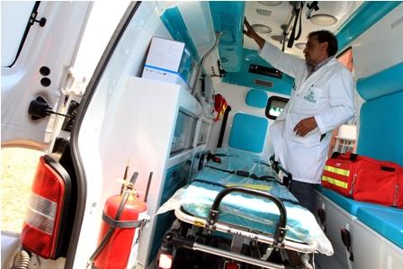 Entregan-16-camas-de-terapia-intensiva-y-dos-ambulancias