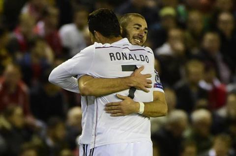 Real-Madrid-vence-por-3-0-a-Liverpool-y-se-enfoca-en-Barcelona-