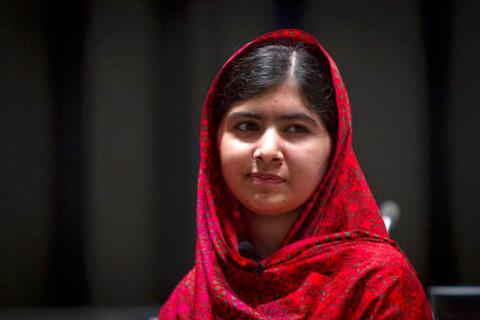 Malala-Yousafzai-a-Obama:--Para-cambiar-el-mundo,-envie-libros-en-vez-de-armas-