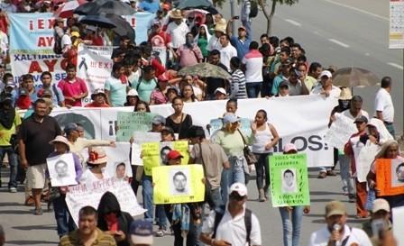 Solidaridad-mundial-por-43-desaparecidos-